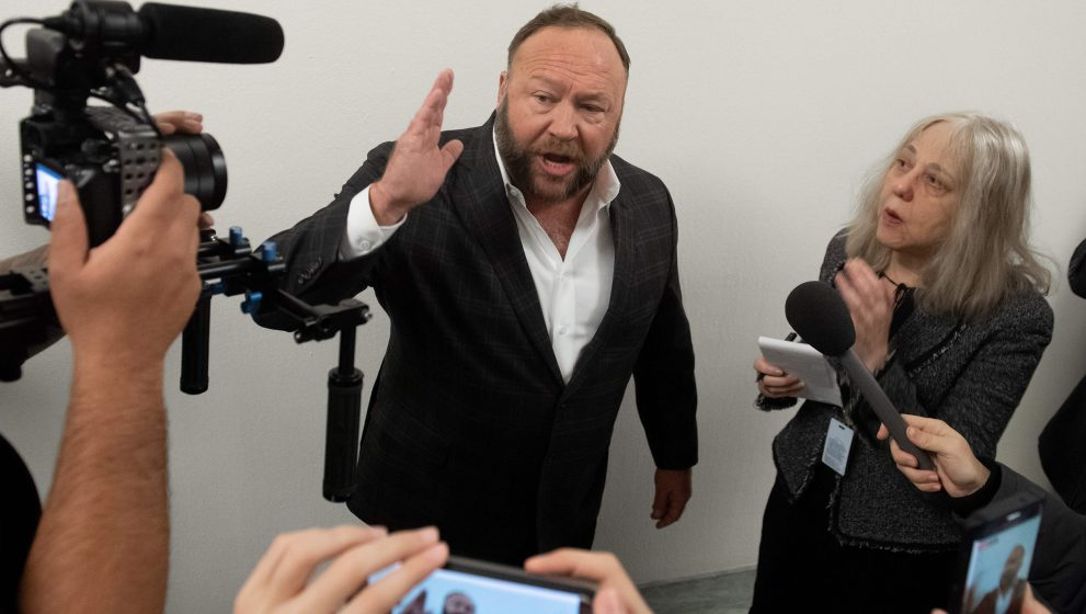 ALEX JONES CLAIMS PEPE THE FROG IS A SYMBOL OF HOMOSEXUALITY